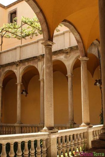 Barcelone-Barri-Gotic-Musée-Marès-Cour-intérieure