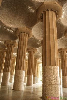 Barcelone-Parc Güell-Salle-hypostyle