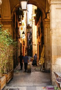 Barcelone-Plaza-Reial-Ruelle