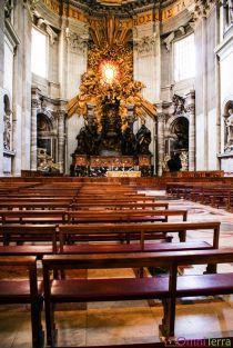 Rome-Vatican-Basilique-Saint-Pierre-bancs