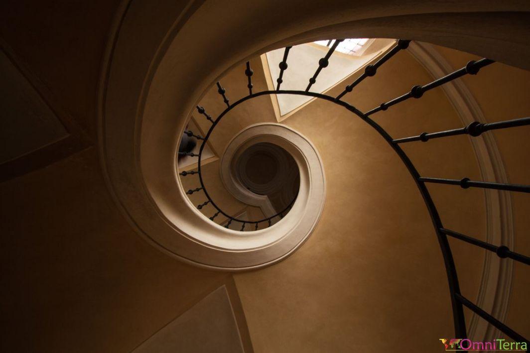 Sedlec - Eglise de l'assomption - Escaliers