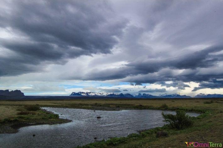 Islande - Route de Vik a Hofn - nuages et rivière