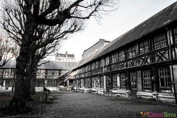 Rouen-Aître-Saint-Maclou-Cour