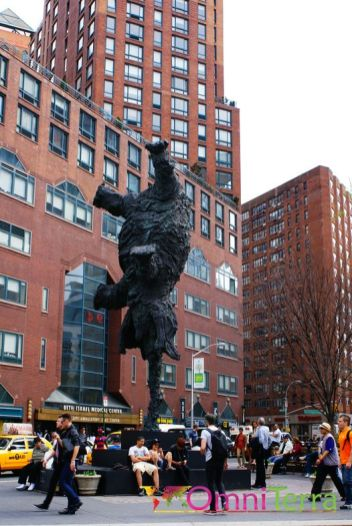 New-York-Union-Square-sculpture