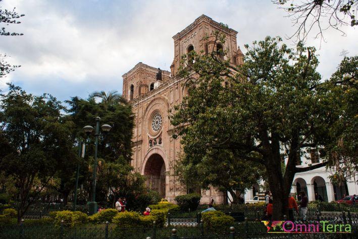 equateur-cuenca-cathedrale-moderne