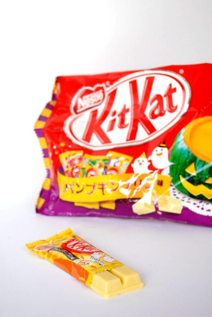 Om Nom Nomad - Halloween Pumpkin Pudding Kit Kat