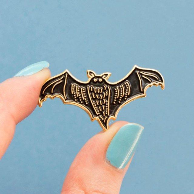 Pin's chauve souris - bat pin enamel - halloween