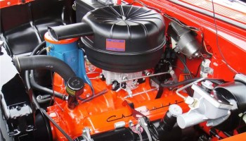 Top 10 engines of all time 1 small block chevrolet gen 1 350 the small block at 60 history facts more about the engine that changed sciox Choice Image