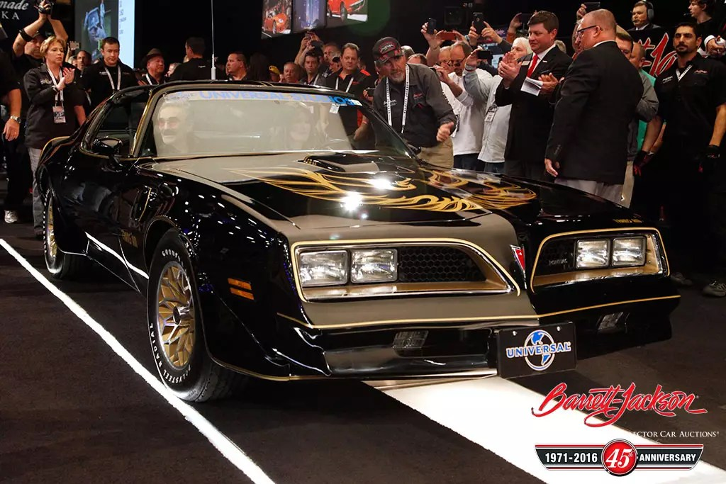 Smokey And The Bandit Trans Am Fetches 550000 At Barrett