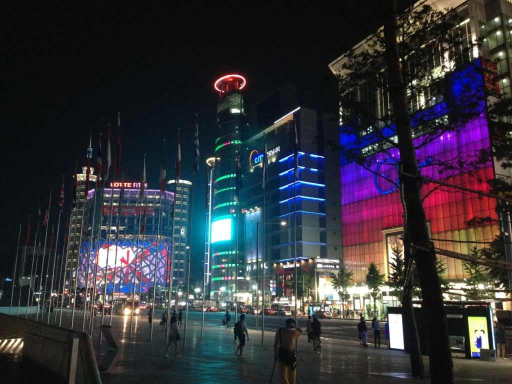 Seoul's shopping never sleeps