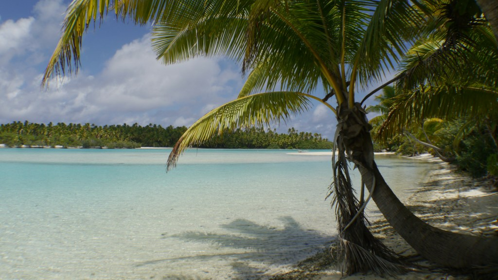 The Aitutaki Lagoon travel to the Cook islands