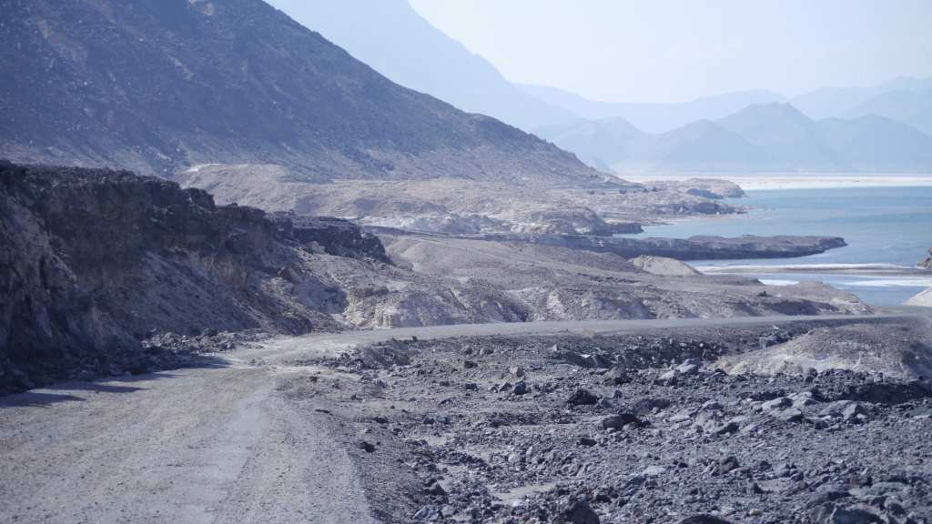 The road to Lake Assal