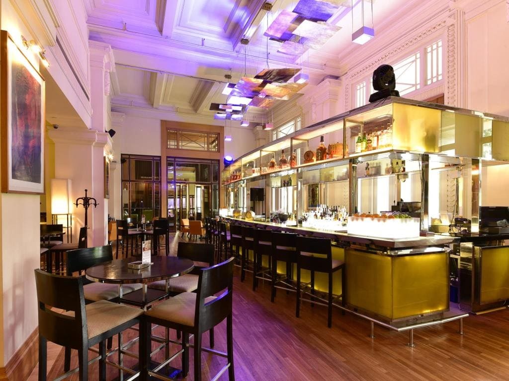 The Fullerton Hotel dining area
