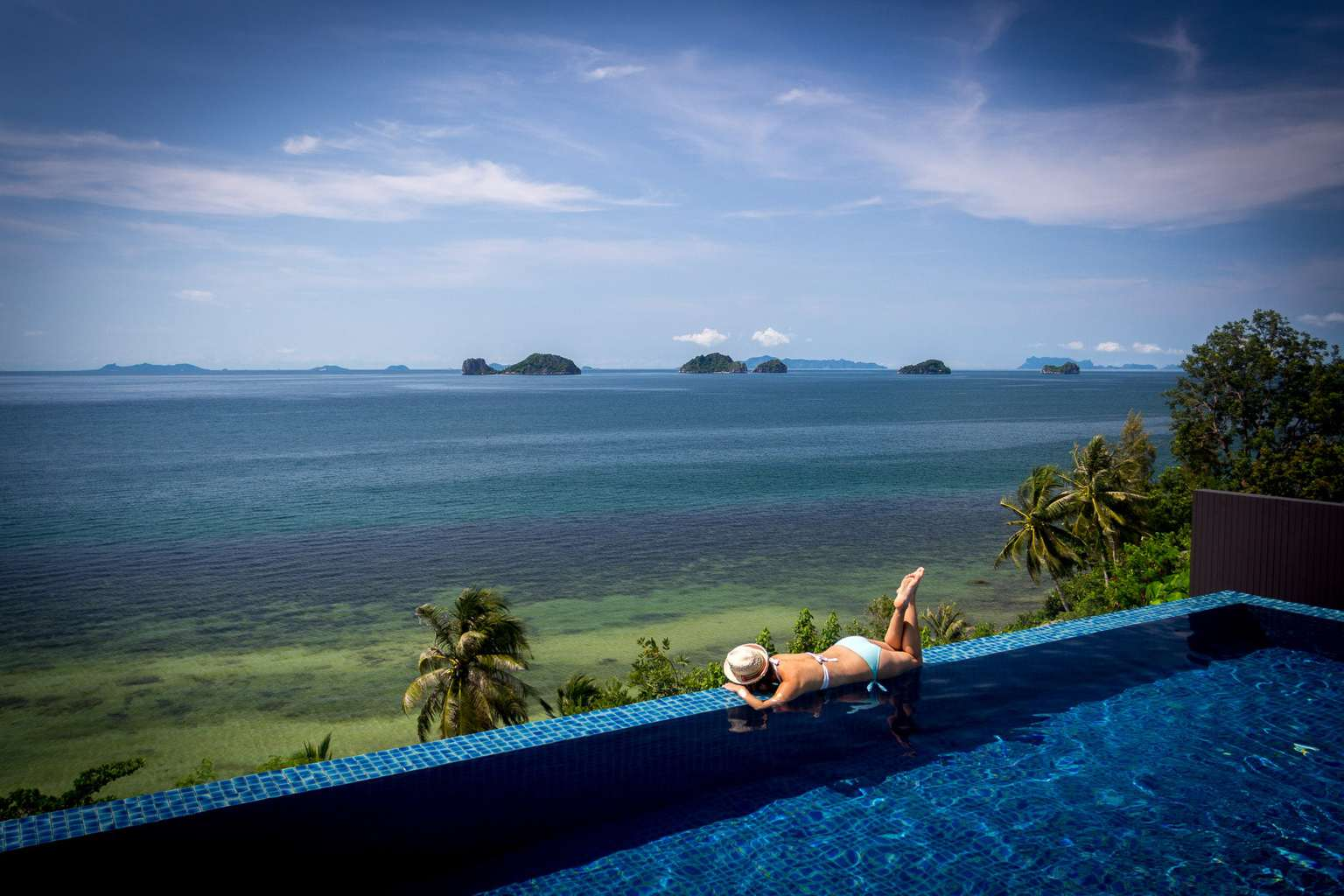 Conrad koh samui review infinite pool views to fall in for Koi pool villa koh tao