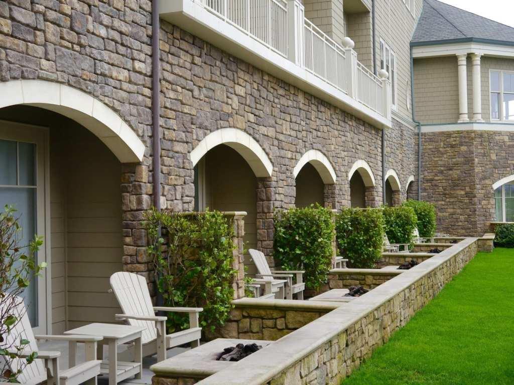 The Ritz Carlton Half Moon Bay patio