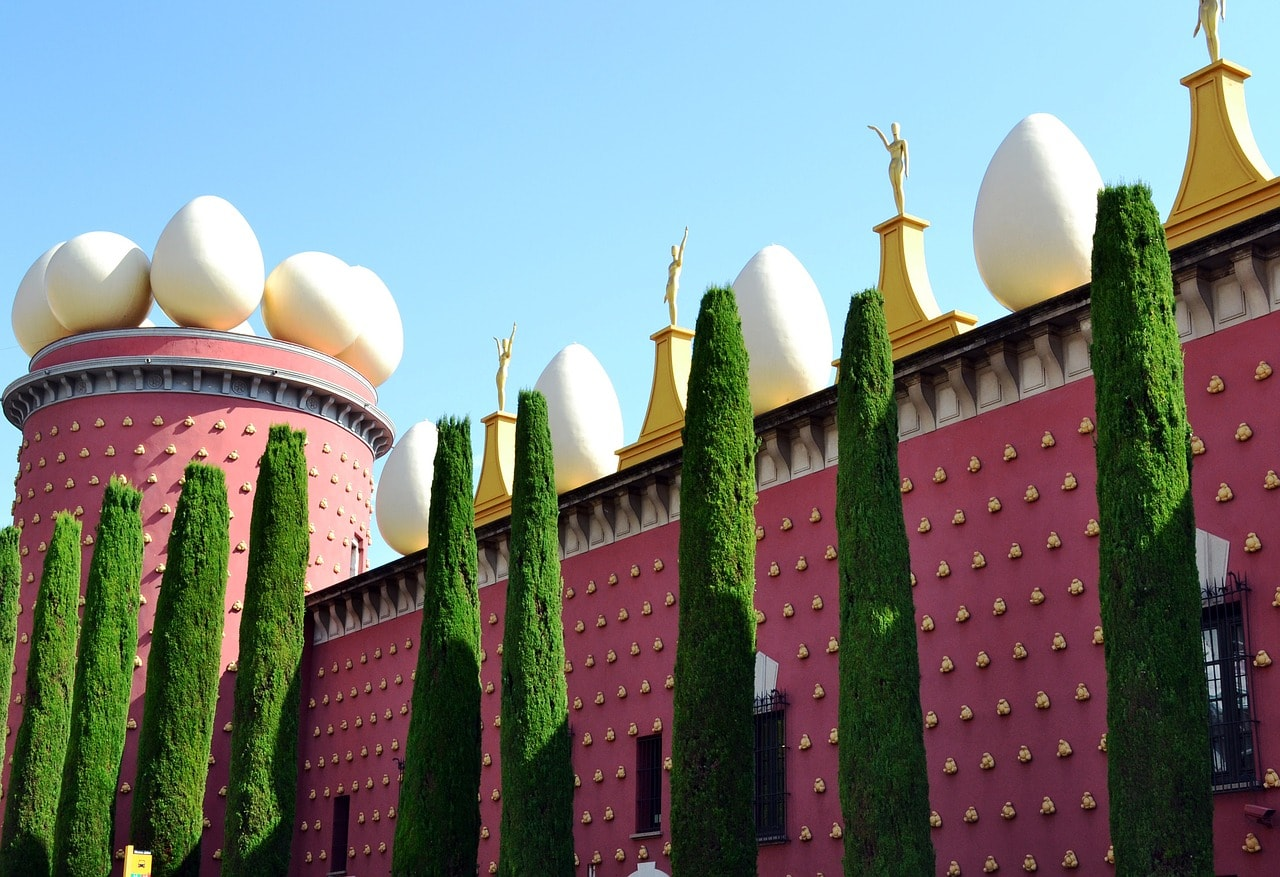 day trips from barcelona to the Dali Museum