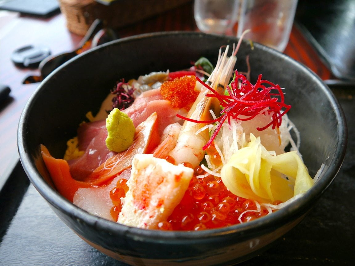 Sashimi rice bowl