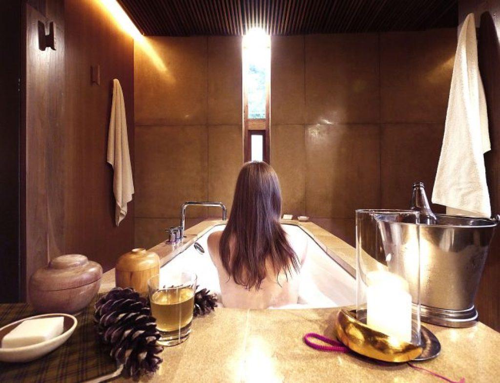 Amankora bathtub