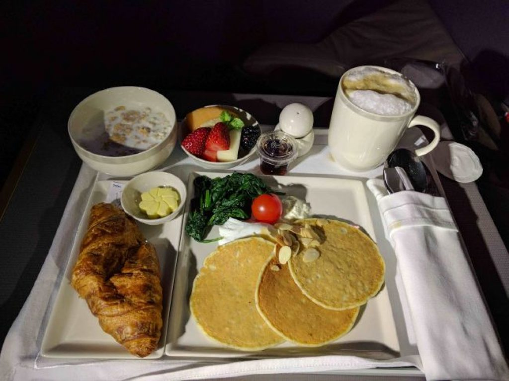 Breakfast on the Singapore Airlines A350