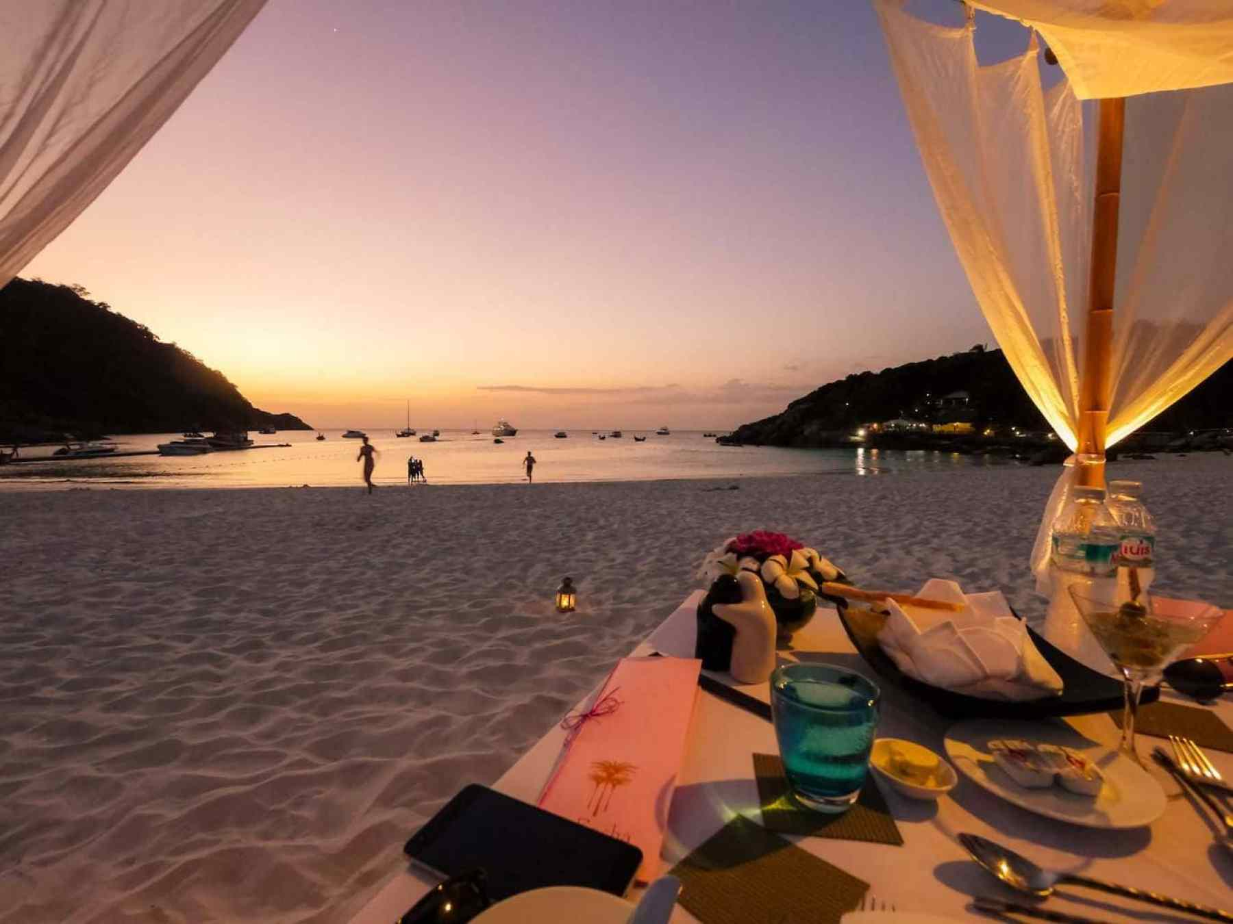 Tented dining on the beach