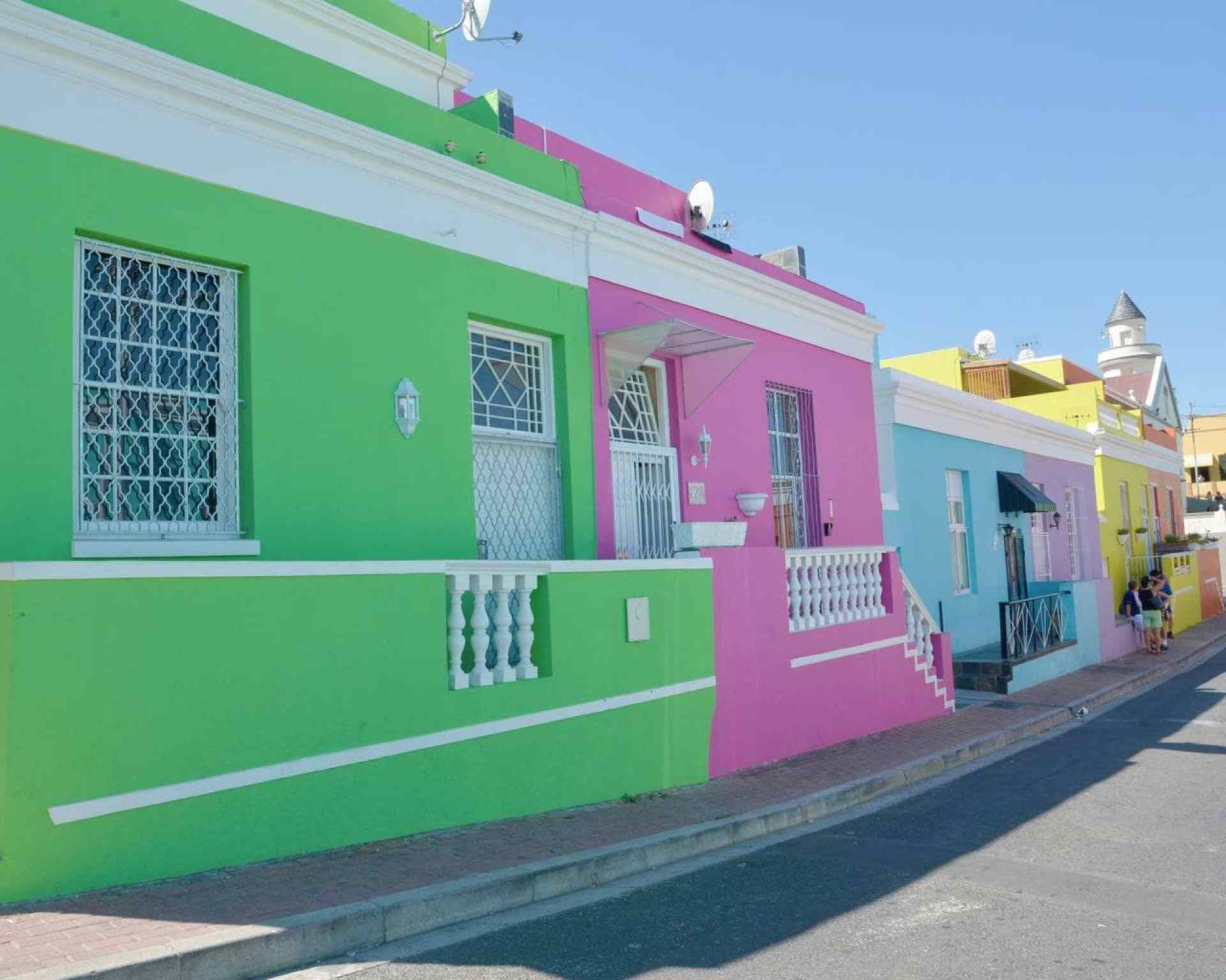 The iconic colourful houses that line the street of Bo Kaap
