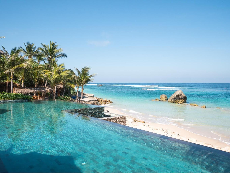 Nihi Sumba Hotel review, Infinity pool