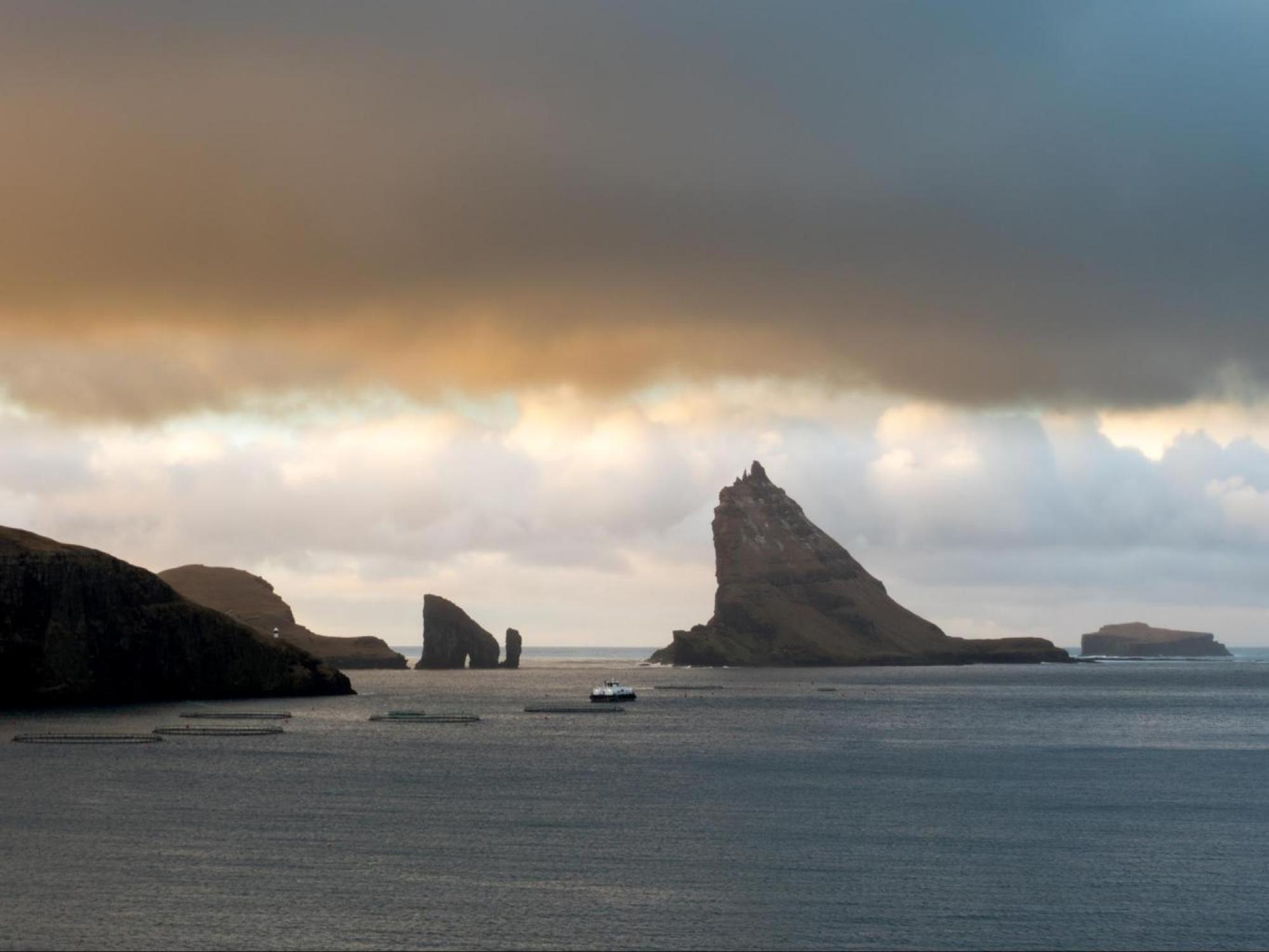 The view of Tindhólmur from Boeur
