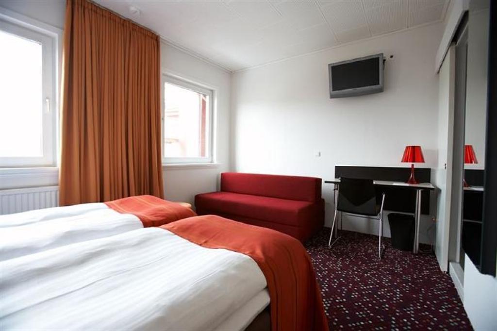 Hotel Torshavn bedroom