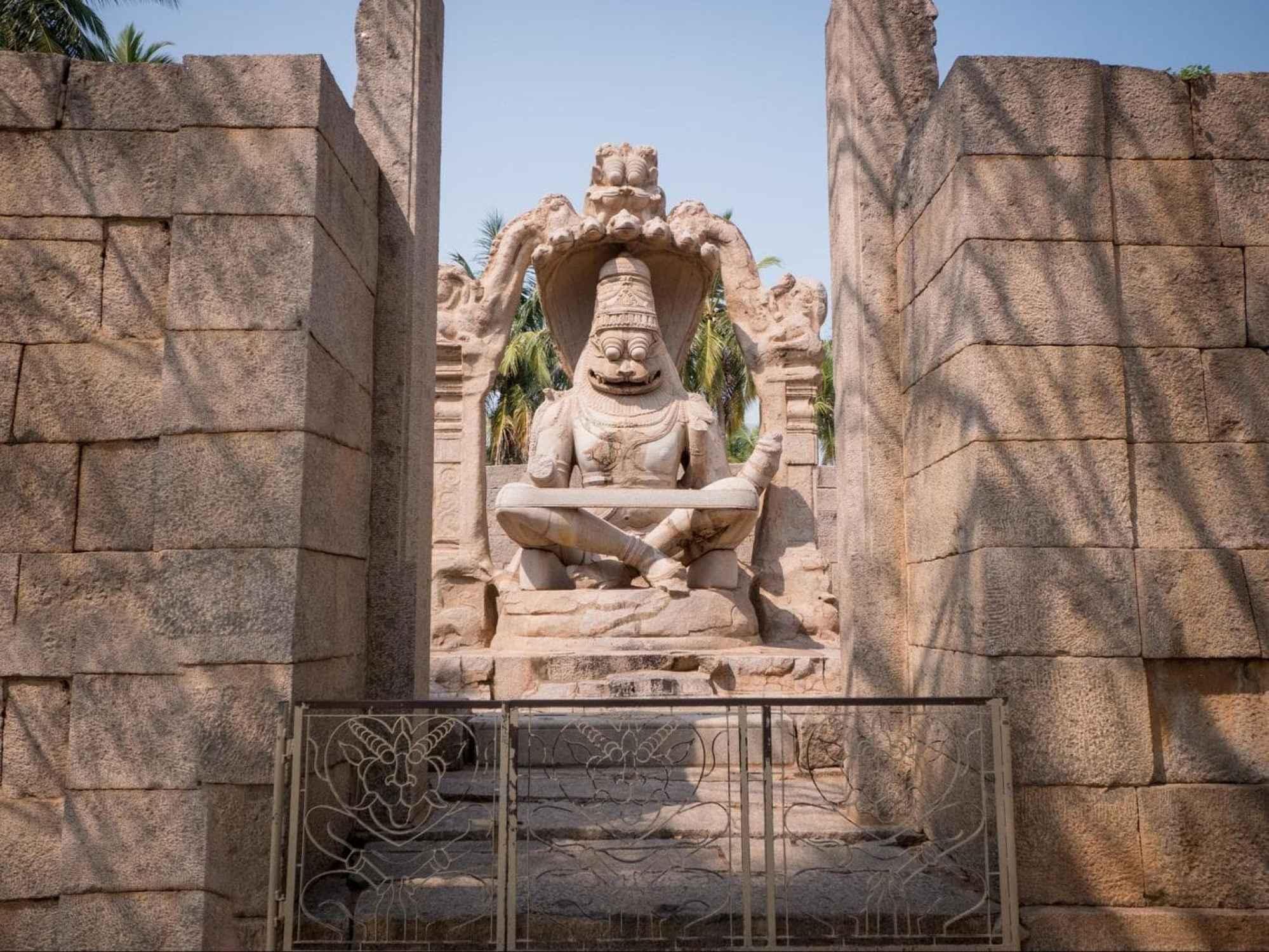Badavilinga Temple in Hampi