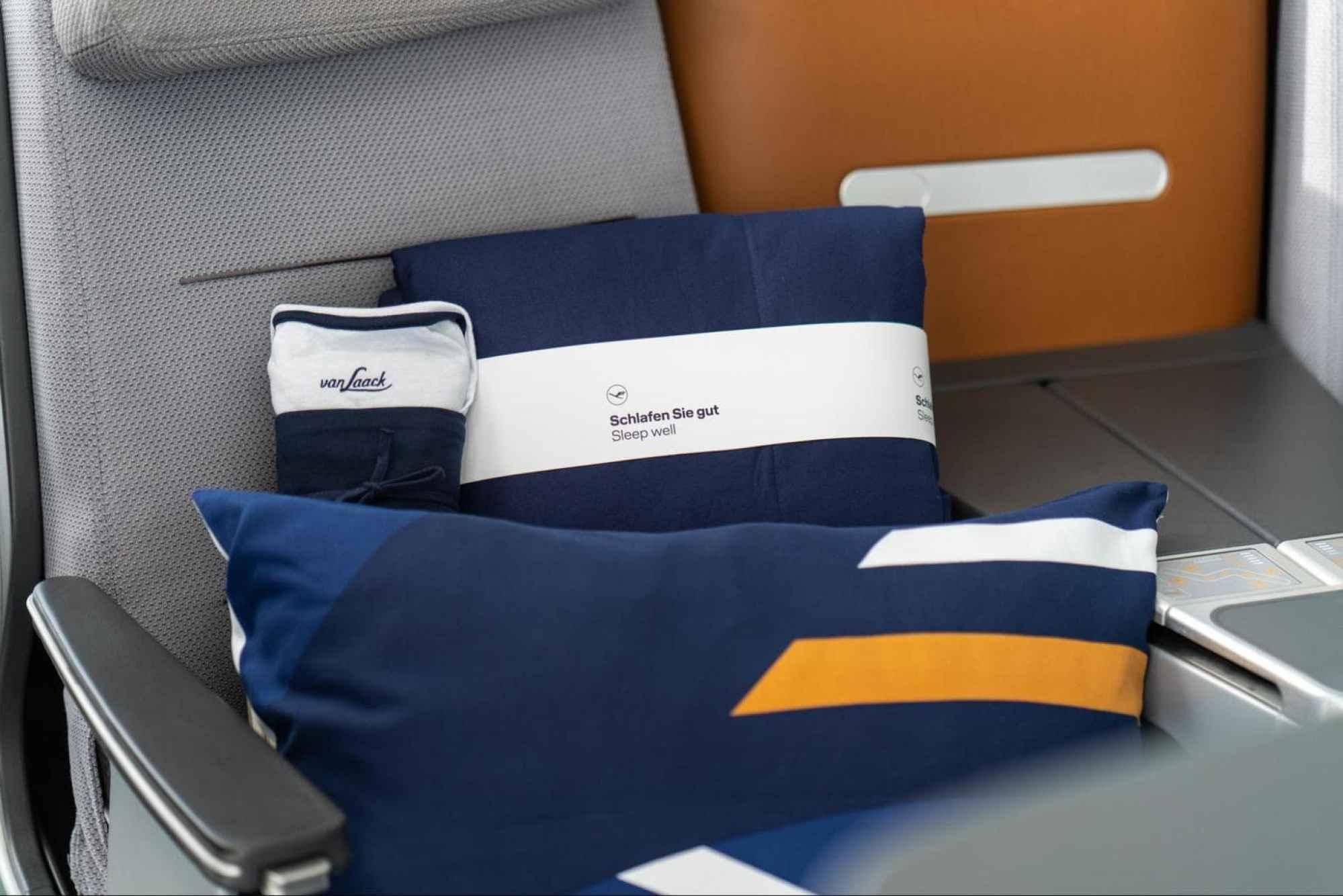 Lufthansa Dream Collection pillow, duvet and pyjamas