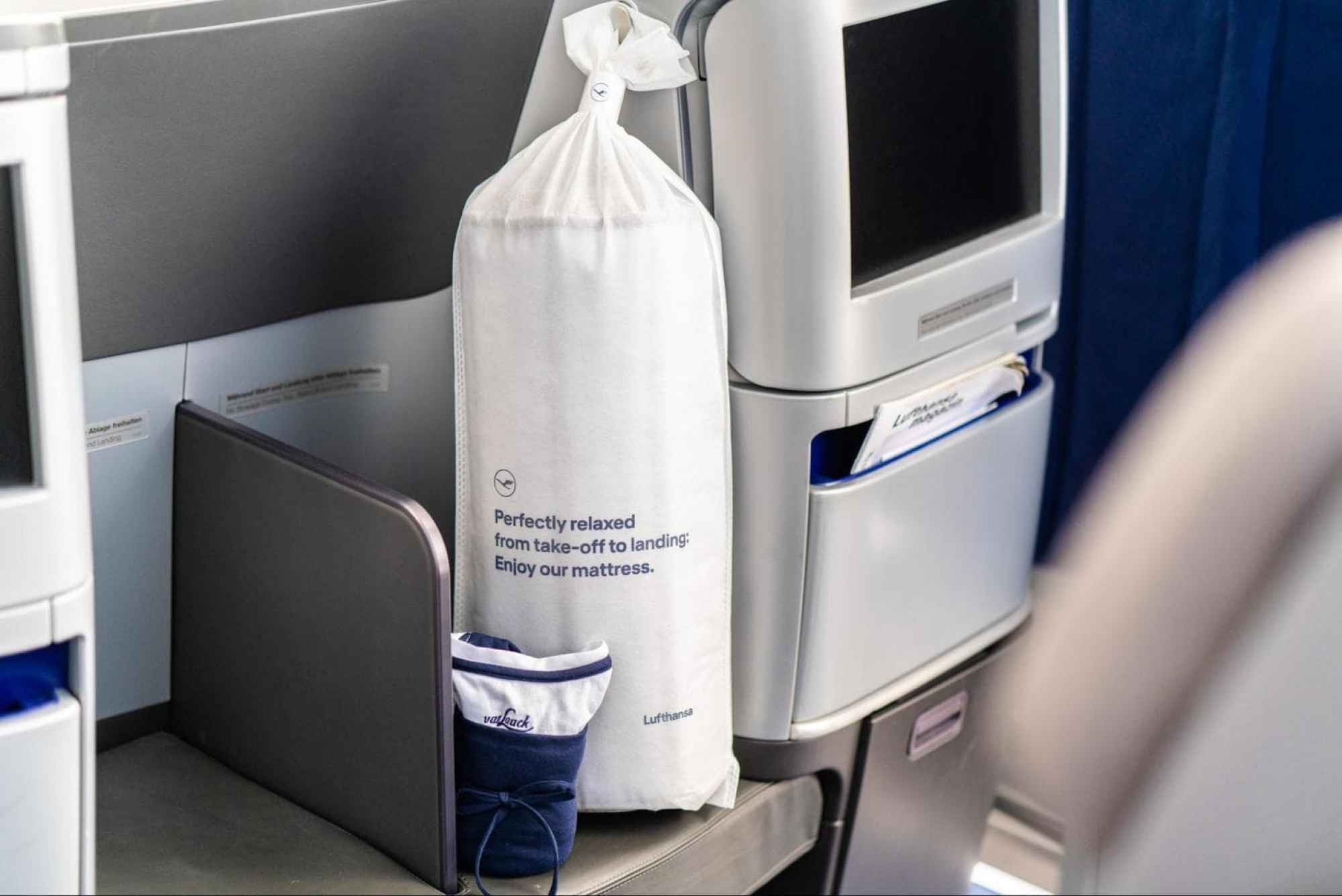 The packaging of Lufthansa's Business Class duvet