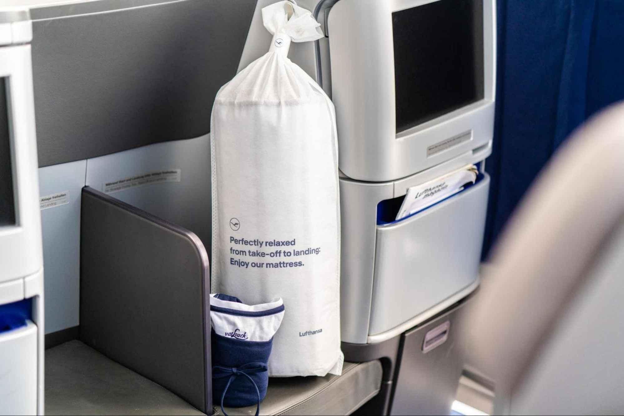 The packaging of Lufthansa's Business Class duvet