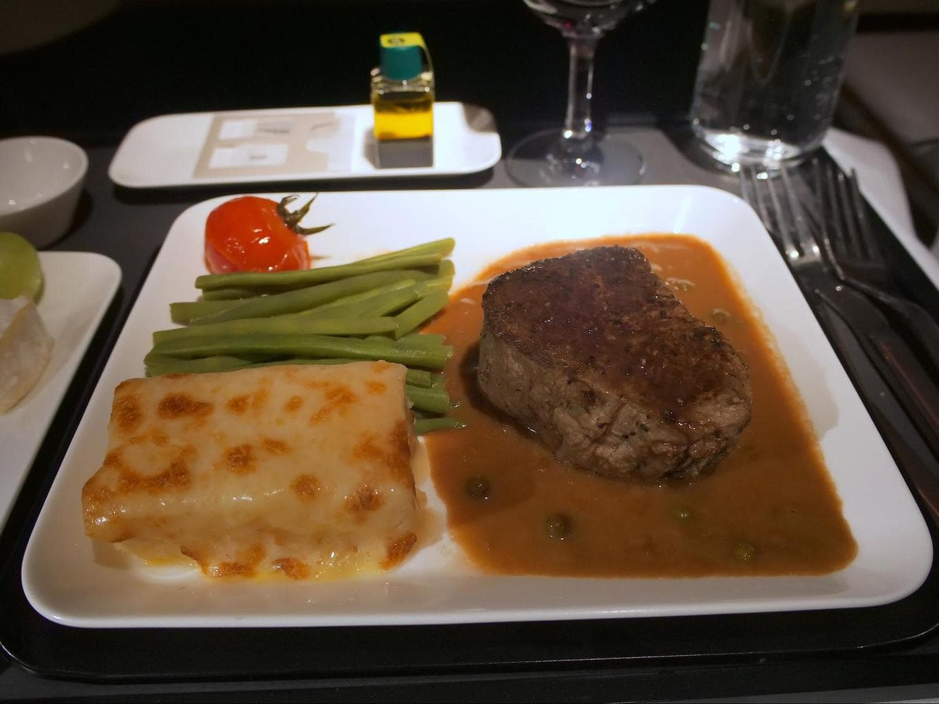 Dinner Swiss Business Class 05