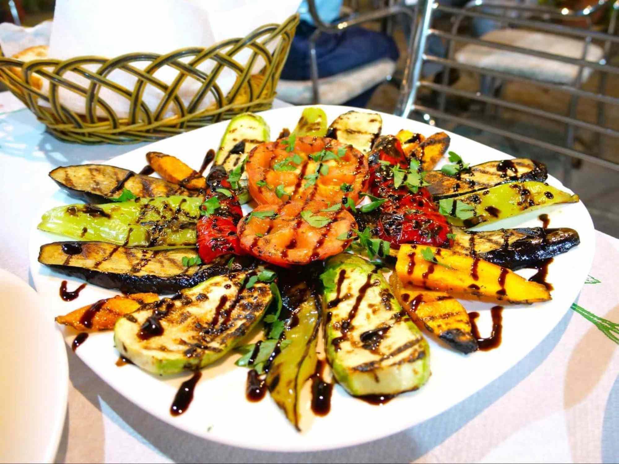 Perime në Zgarë, grilled vegetables with balsamic vinegar