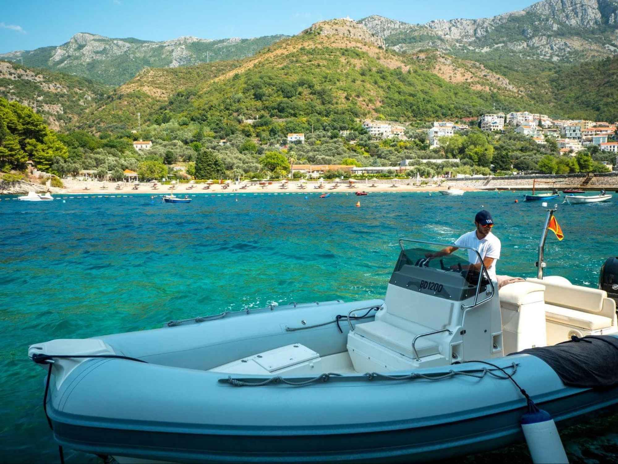 Speed boat service to King's Beach