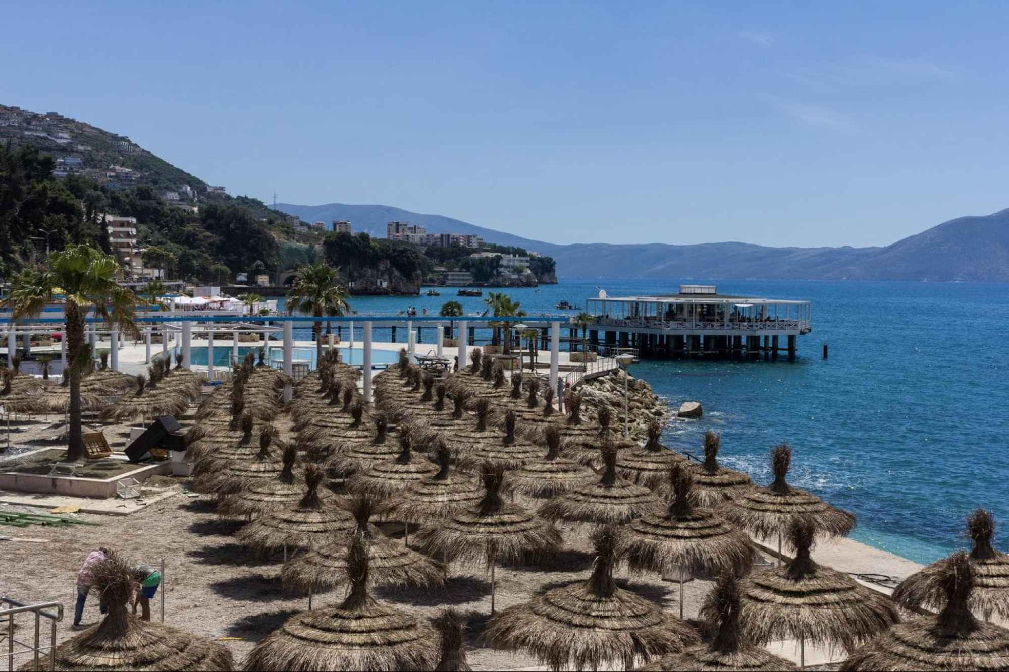 Vlore Beach - Photo by Leif Hinrichsen on Flickr BY CC-NC 2.0