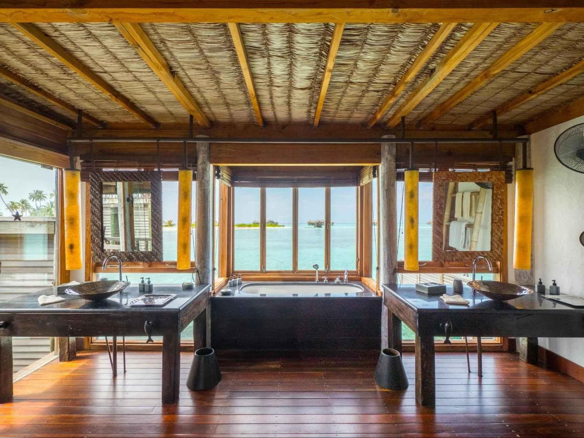 Bathroom at Gili Lankanfushi 01