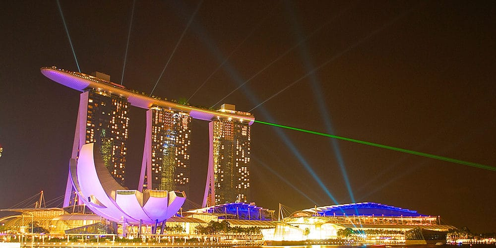 Free light show display nightly at Marina Bay