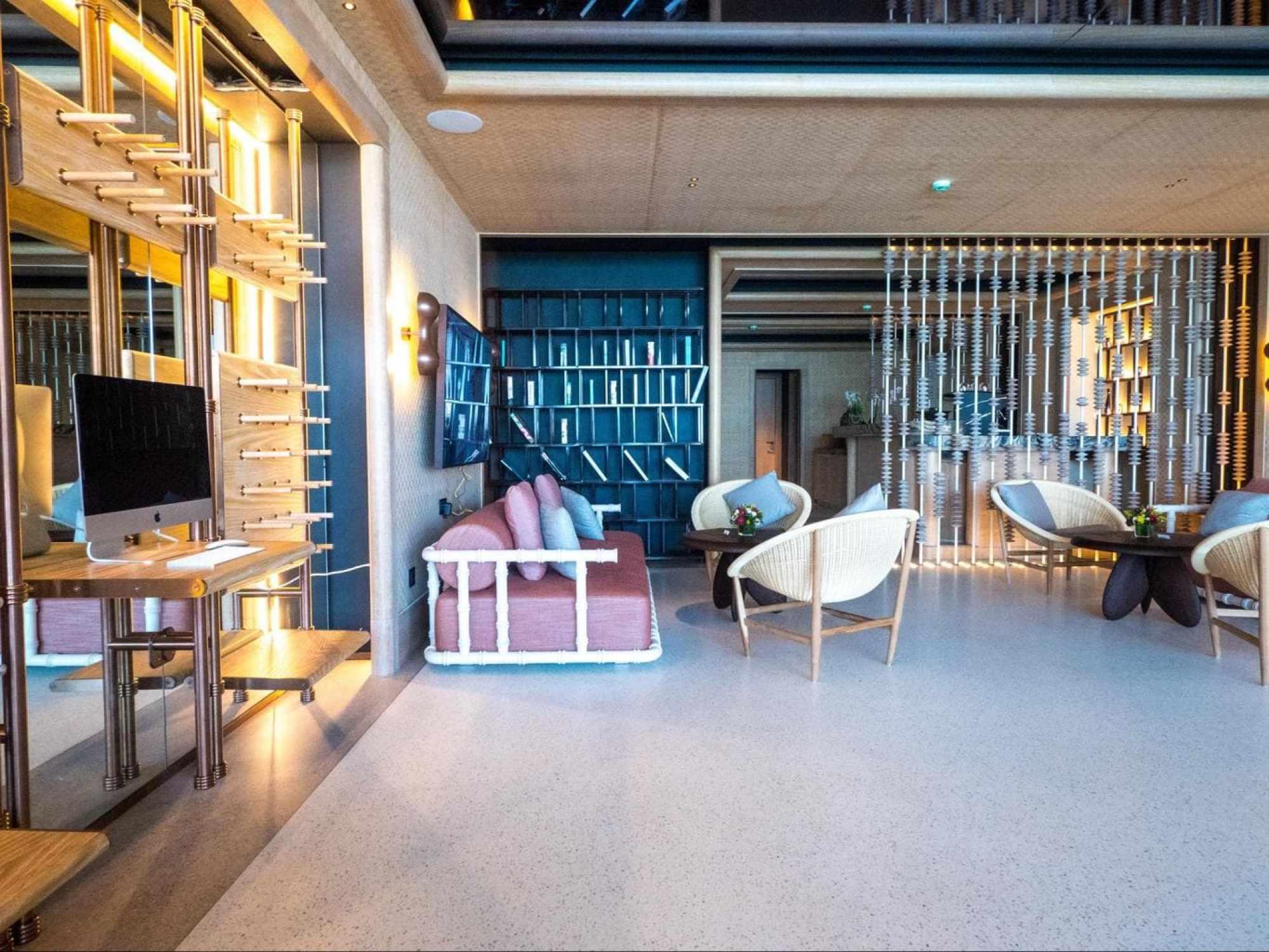 Design at the Joali seaplane lounge