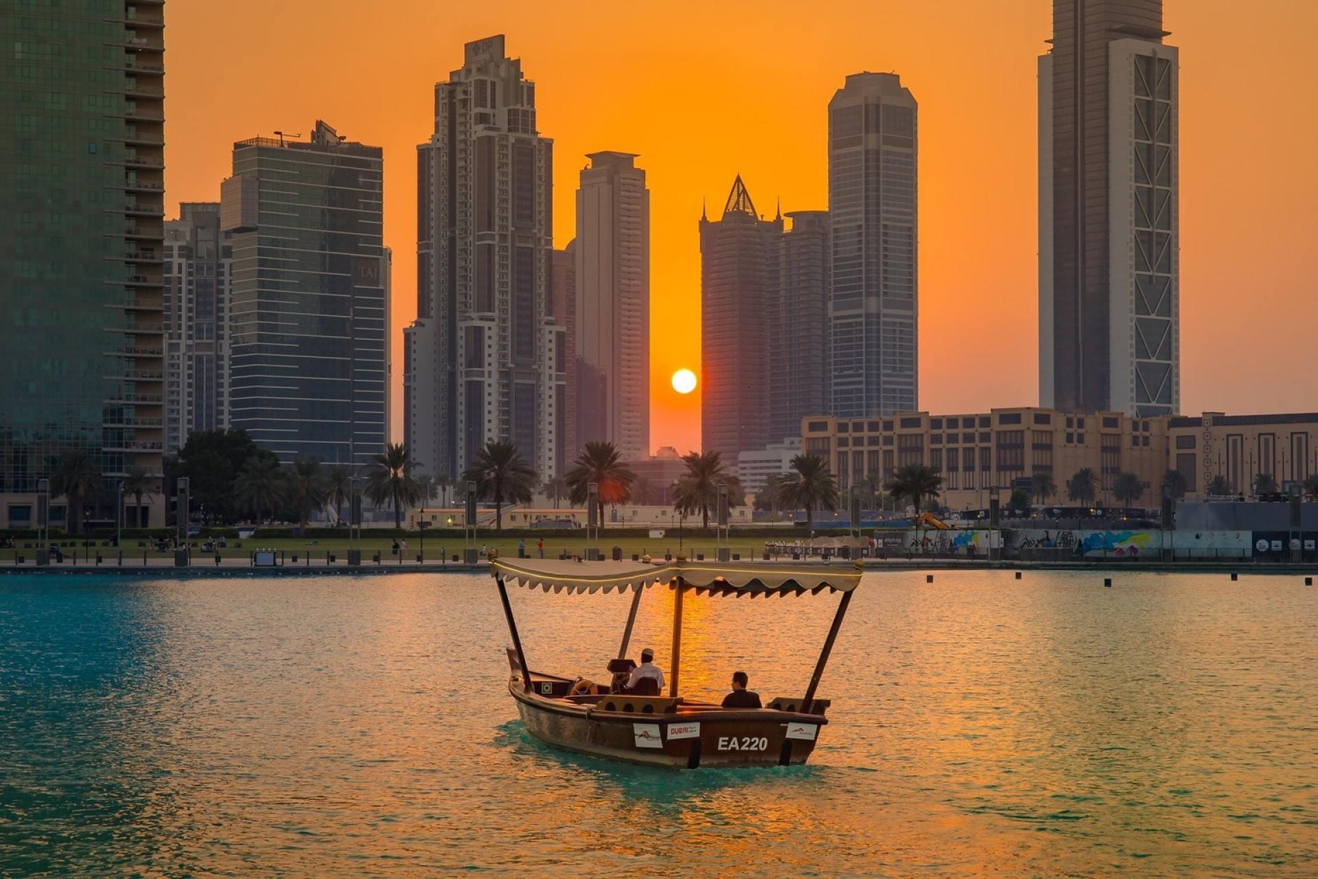 Abra trip down the Dubai Creek
