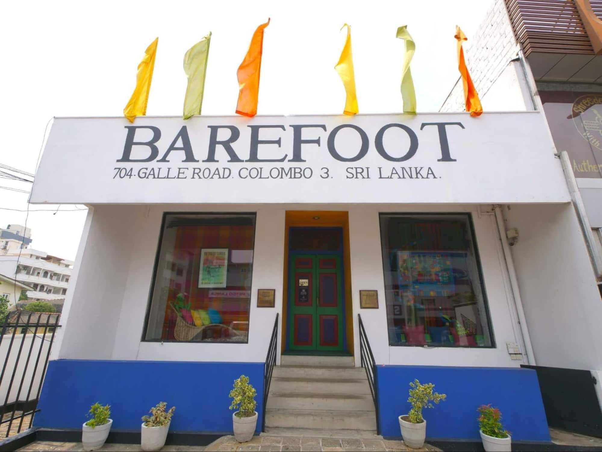 Barefoot Colombo