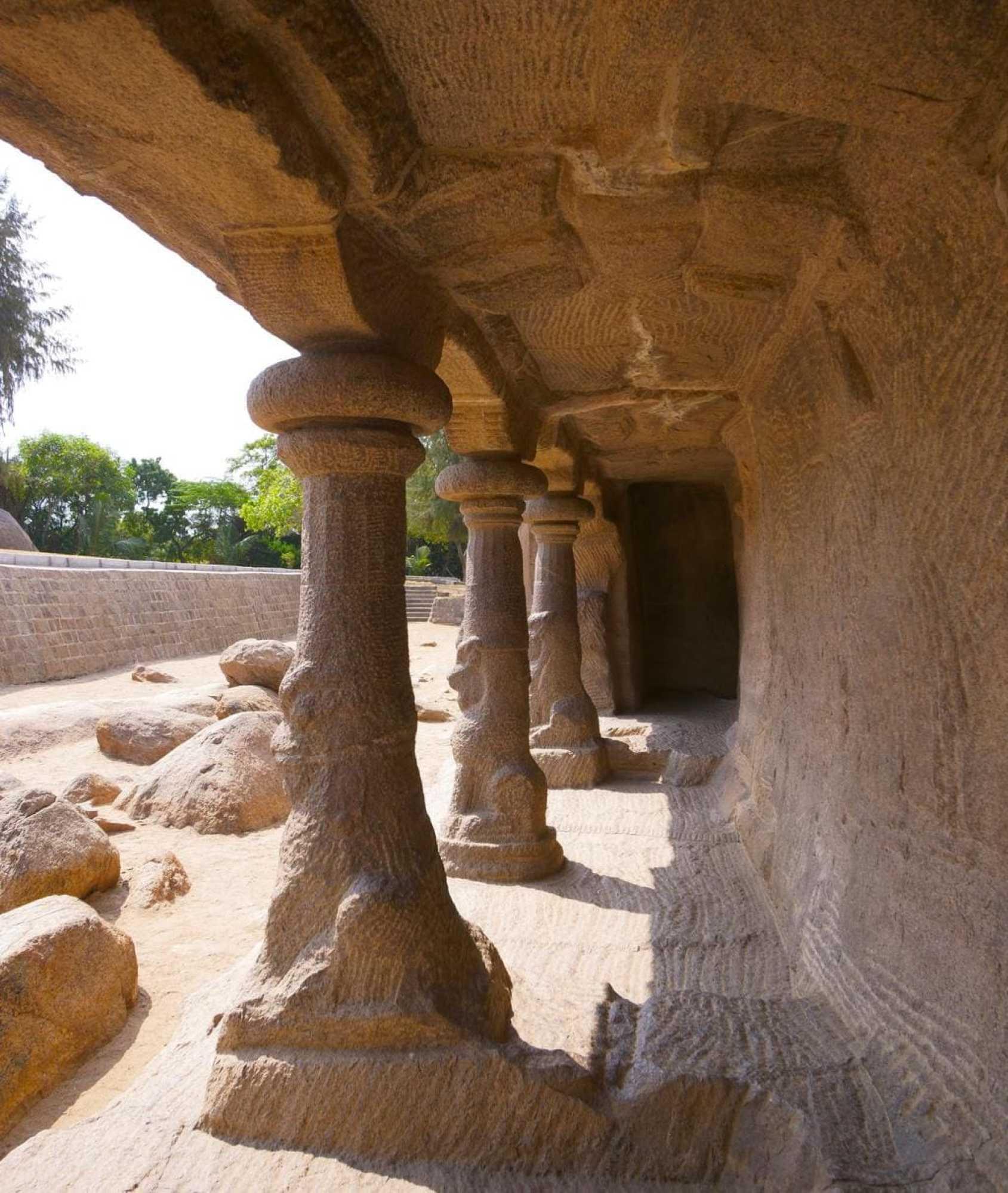 Pancha Rathas columns