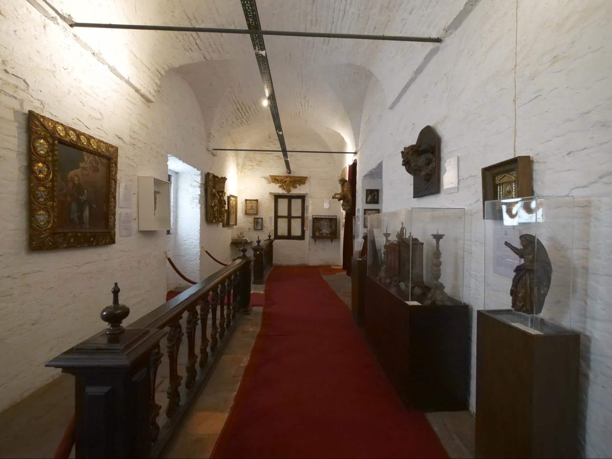 Iglesia de Nuestra Señora del Pilar interior