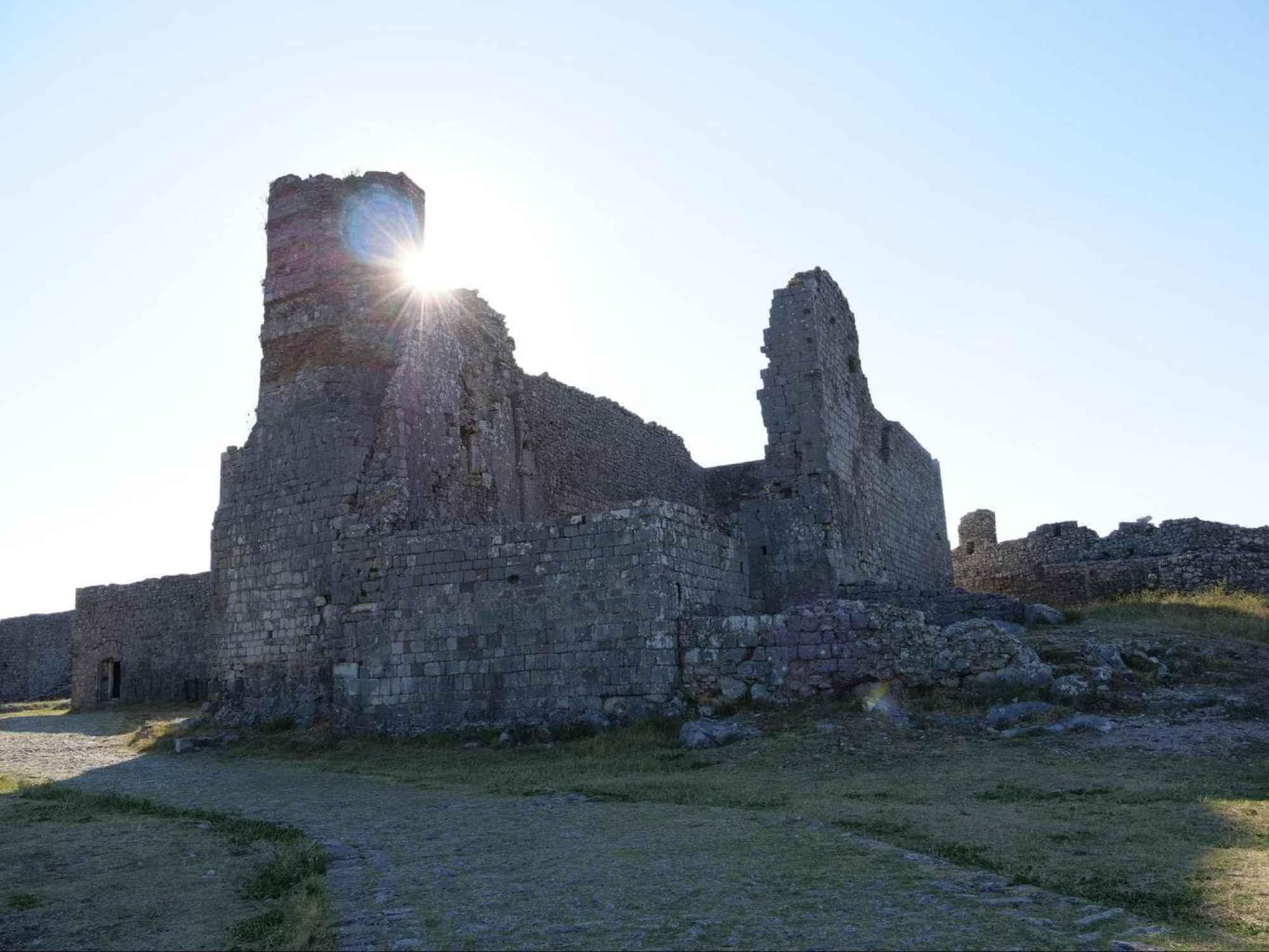 Rozafa Castle ruins