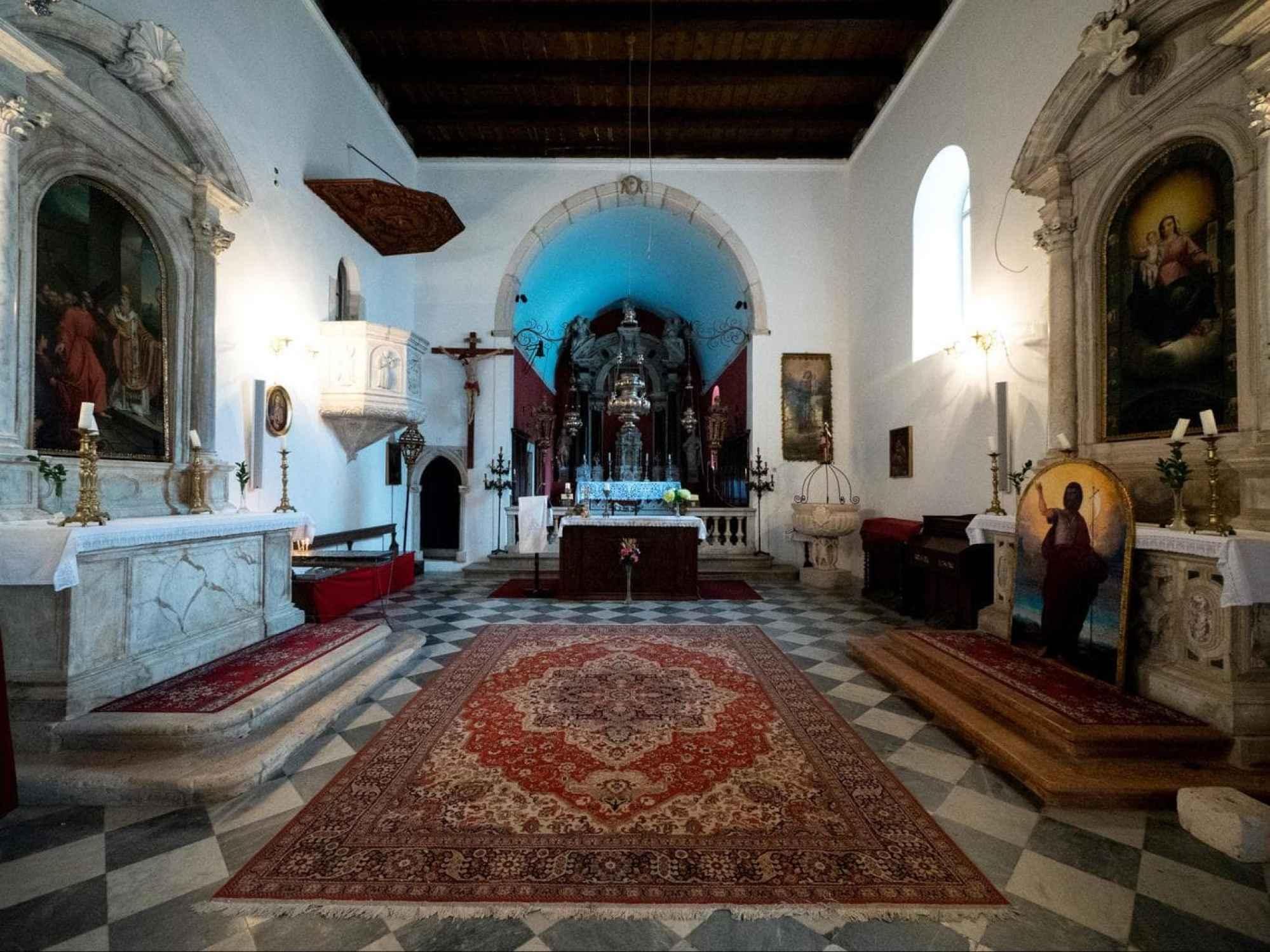 St Nicholas Church interior