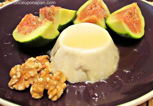 Panna cotta with figs and honey