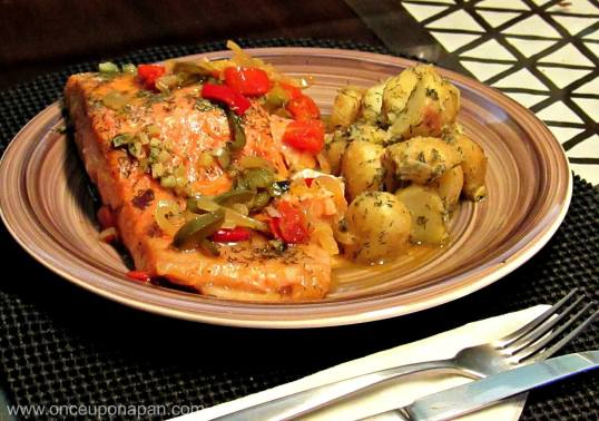 Salmon baked in foil with dill potatoes