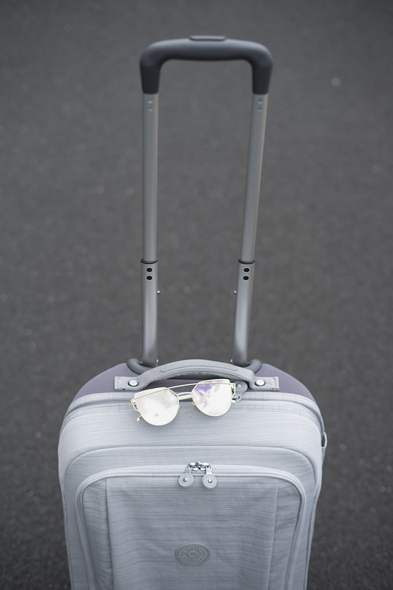 Kipling super hybrid S suitcase outfit metal jacket