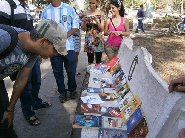Suelta masiva de libros