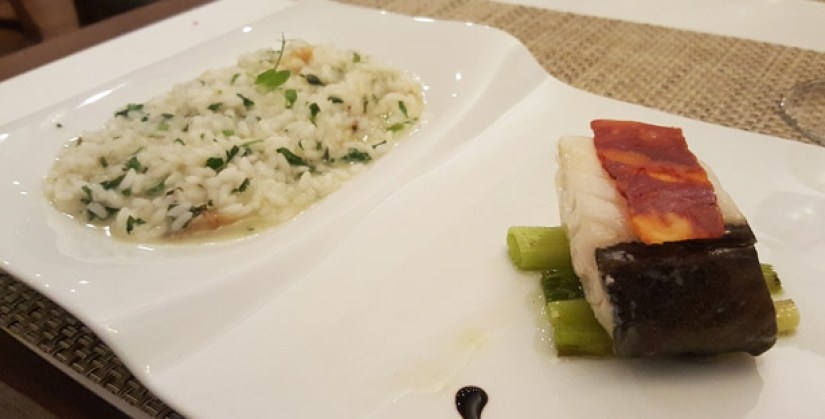 atlantico restaurante e bar sofisticado hotel intercontinental estoril peixe marisco vista mar bacalhau